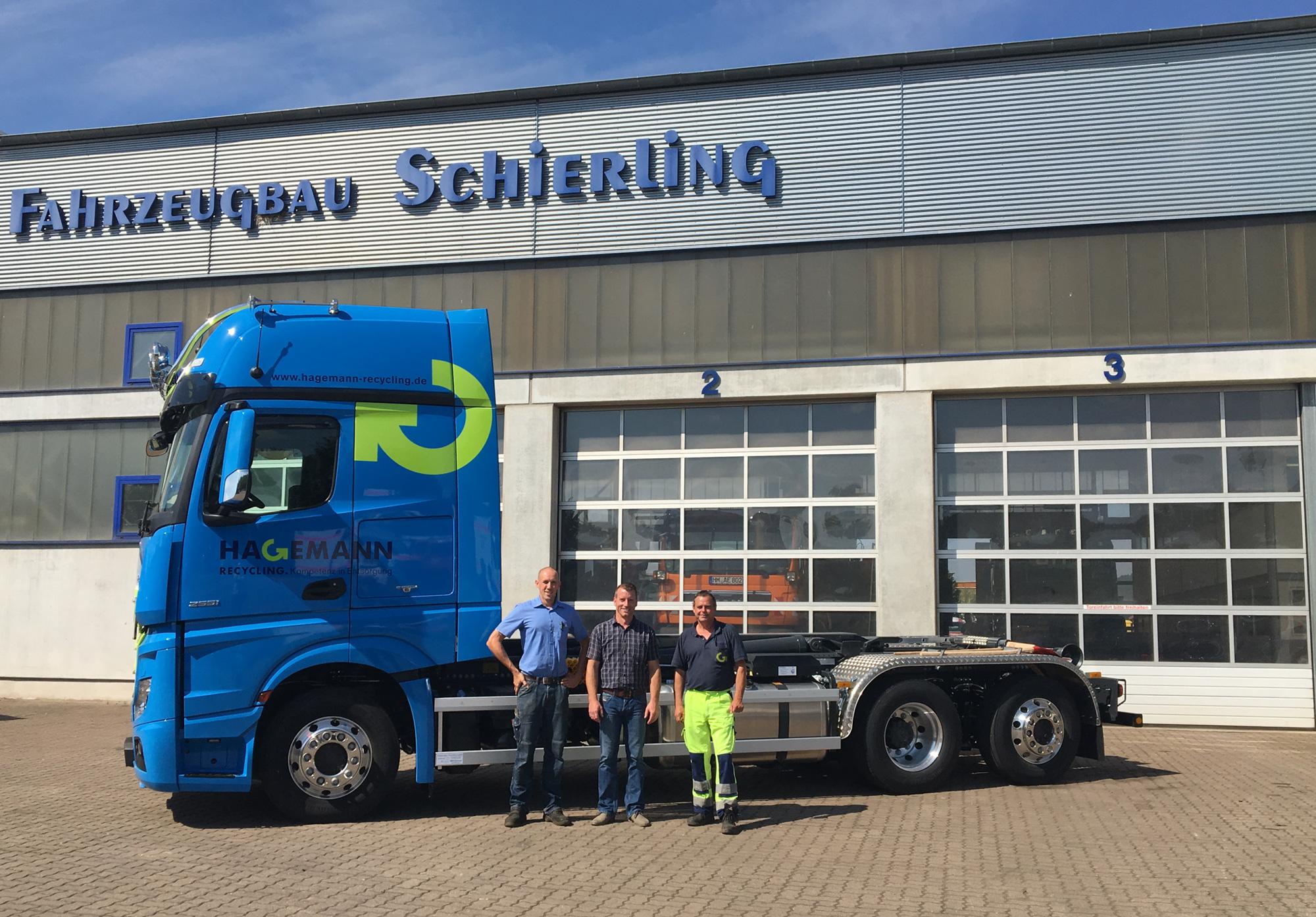 Hakengerät Montage Fahrzeugbau Schierling Hameln